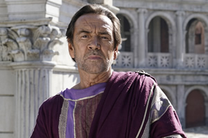 Plebs. Crassus (Robert Lindsay). Copyright: RISE Films.