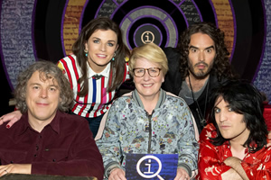 QI. Image shows from L to R: Alan Davies, Aisling Bea, Sandi Toksvig, Russell Brand, Noel Fielding. Copyright: TalkbackThames.