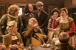 Upstart Crow. Image shows from L to R: Mary Arden (Paula Wilcox), Anne Hathaway (Liza Tarbuck), Will Shakespeare (David Mitchell), John Shakespeare (Harry Enfield), Bottom (Rob Rouse), Susanna (Helen Monks), Kate (Gemma Whelan), Hamnet (Joe Willis). Copyright: BBC.