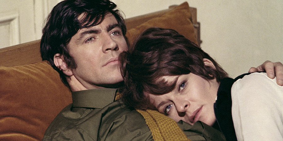A Day In The Death Of Joe Egg. Image shows from L to R: Bri (Alan Bates), Sheila (Janet Suzman).