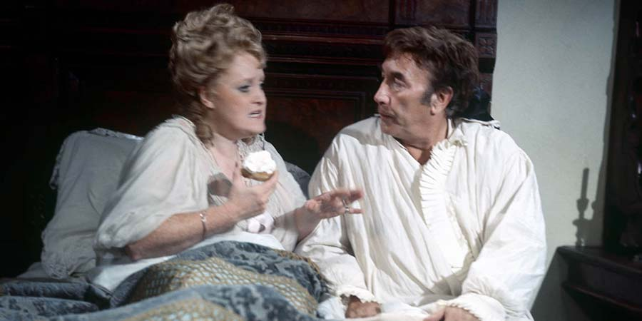 A Touch Of The Casanovas. Image shows from L to R: Clementina (Patsy Rowlands), Fransisco (Frankie Howerd). Copyright: Thames Television.