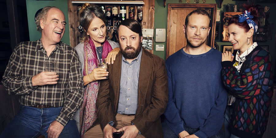 Back. Image shows from L to R: Uncle Geoff (Geoffrey McGivern), Ellen (Penny Downie), Stephen (David Mitchell), Andrew (Robert Webb), Cass (Louise Brealey).