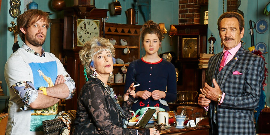 Bull. Image shows from L to R: Toby (Naz Osmanoglu), Beverley Bull (Maureen Lipman), Faye (Claudia Jessie), Rupert Bull (Robert Lindsay). Copyright: John Stanley Productions.