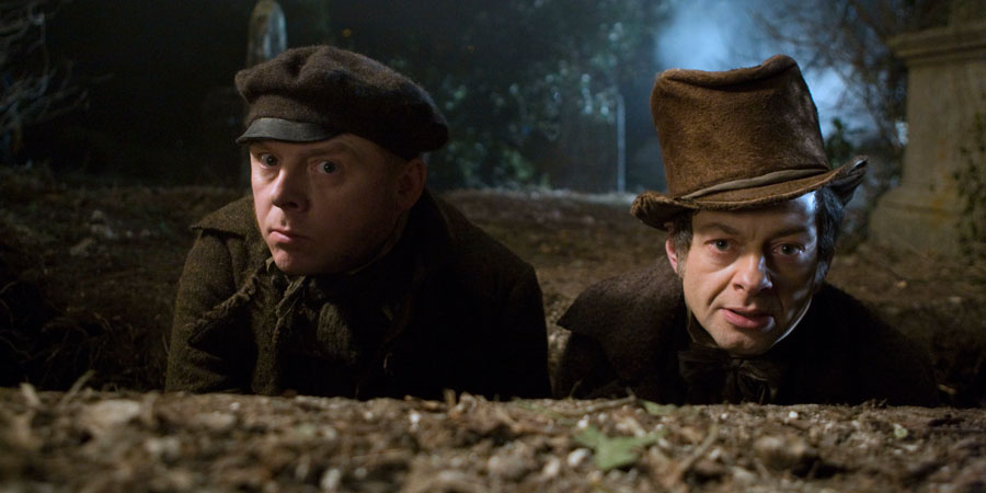 Burke & Hare. Image shows from L to R: William Burke (Simon Pegg), William Hare (Andy Serkis). Copyright: Fragile Films.