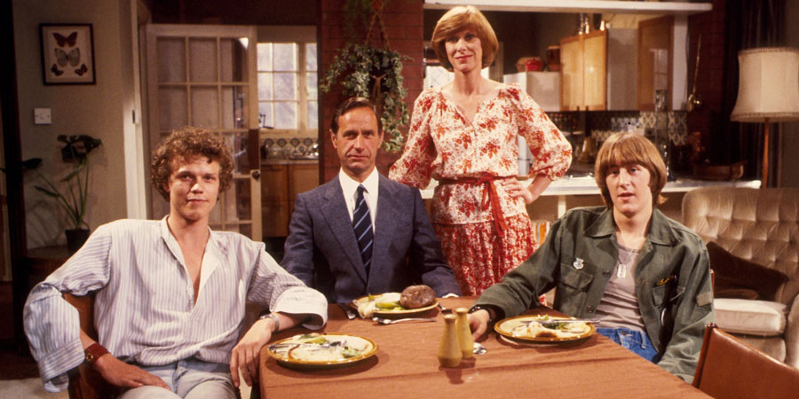 Butterflies. Image shows from L to R: Russell Parkinson (Andrew Hall), Ben Parkinson (Geoffrey Palmer), Ria Parkinson (Wendy Craig), Adam Parkinson (Nicholas Lyndhurst).