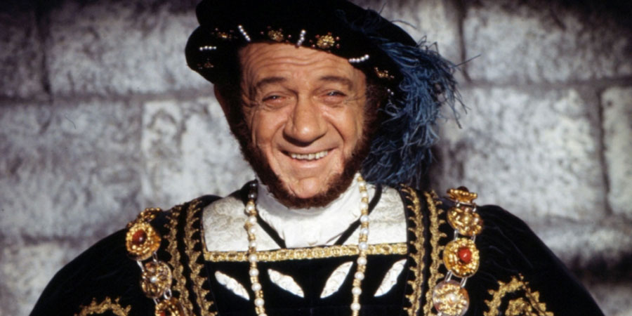 Carry On Henry. Henry VIII (Sidney James). Copyright: Peter Rogers Productions.