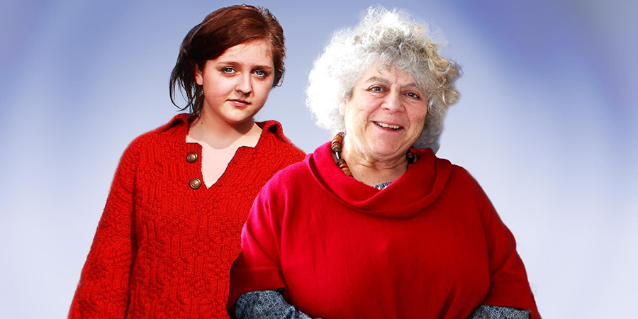 Charlotte And Lillian. Image shows from L to R: Charlotte (Helen Monks), Lillian (Miriam Margolyes). Copyright: Giddy Goat Productions.