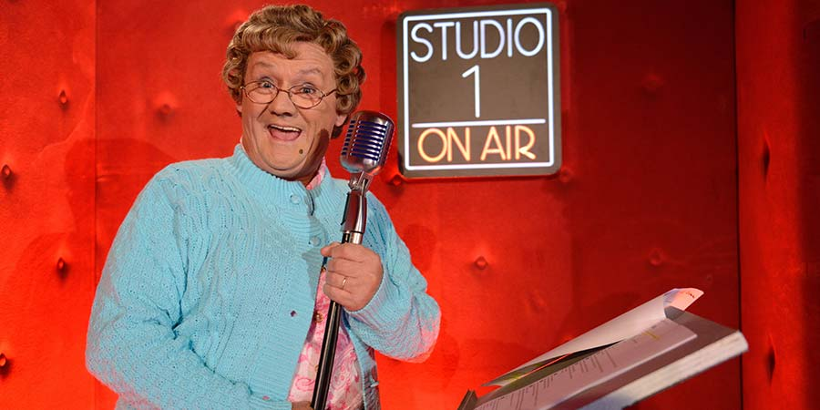 Brendan O'Carroll as Mrs. Brown on Ant and Dec's Saturday Night Takeaway. Copyright: ITV / Shutterstock.
