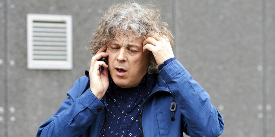 Damned. Al Kavanagh (Alan Davies). Copyright: What Larks Productions.