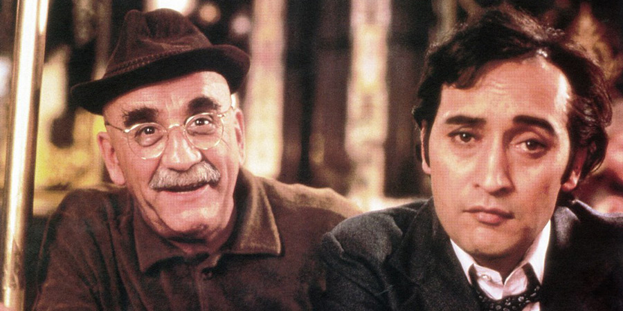 Foreign Body. Image shows from L to R: Warren Mitchell, Victor Bannerjee. Copyright: Rank Organisation.