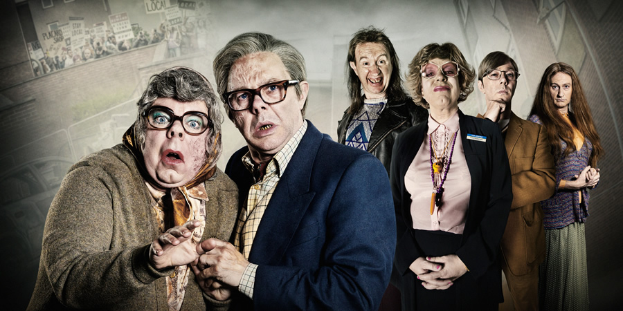 The League Of Gentlemen. Image shows from L to R: Tubbs (Steve Pemberton), Edward (Reece Shearsmith), Mickey (Mark Gatiss), Pauline (Steve Pemberton), Ross (Reece Shearsmith), Auntie Val (Mark Gatiss). Copyright: BBC.