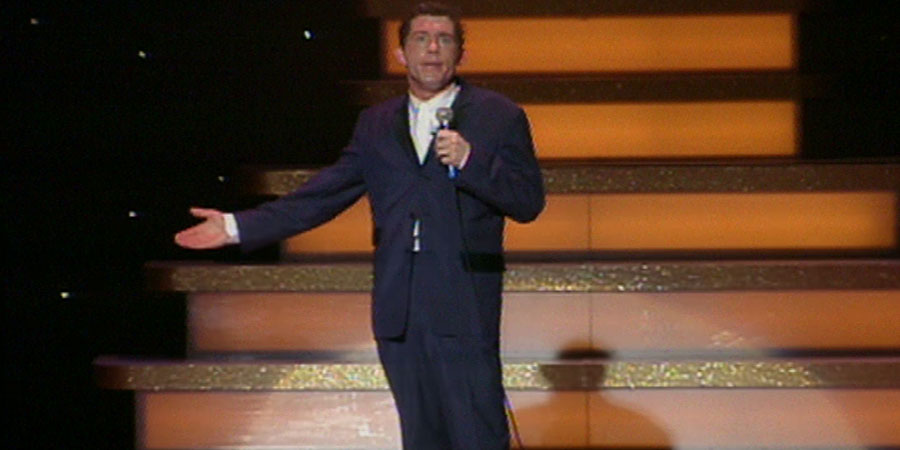 Lee Evans - Different Planet Tour. Lee Evans. Copyright: Little Mo Films.