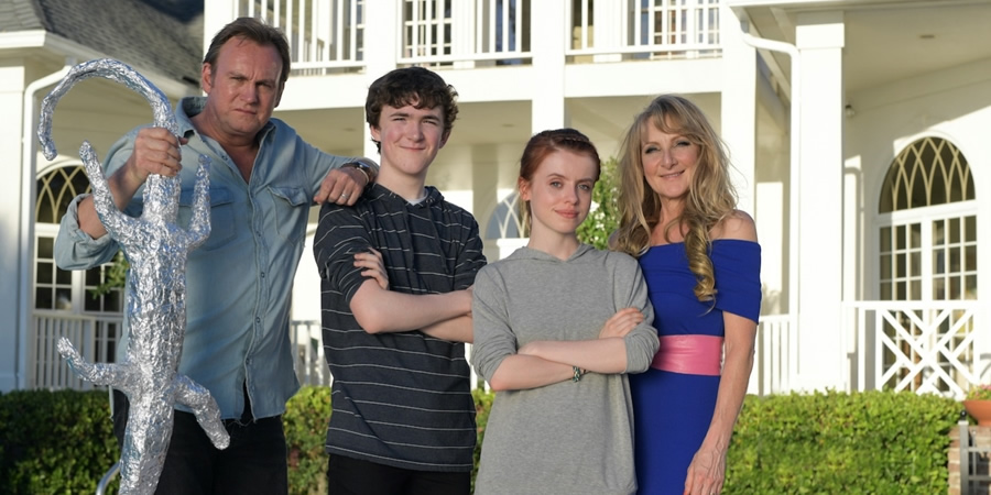 Living The Dream. Image shows from L to R: Mal (Philip Glenister), Freddie (Brenock O'Connor), Tina (Rosie Day), Jen (Lesley Sharp).