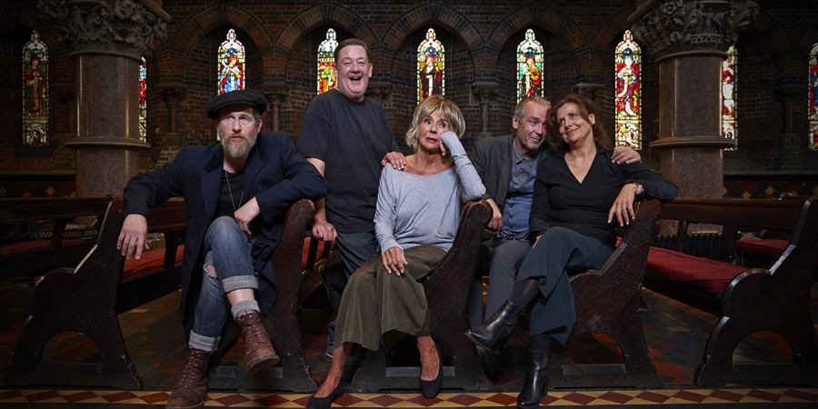 Love In Recovery. Image shows from L to R: Danno (Paul Kaye), Andy (Johnny Vegas), Julie (Sue Johnston), Simon (John Hannah), Fiona (Rebecca Front). Copyright: Lucky Giant.