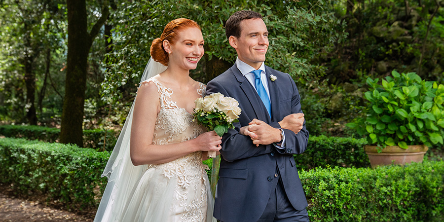 Love Wedding Repeat. Image shows from L to R: Hayley (Eleanor Tomlinson), Jack (Sam Claflin).
