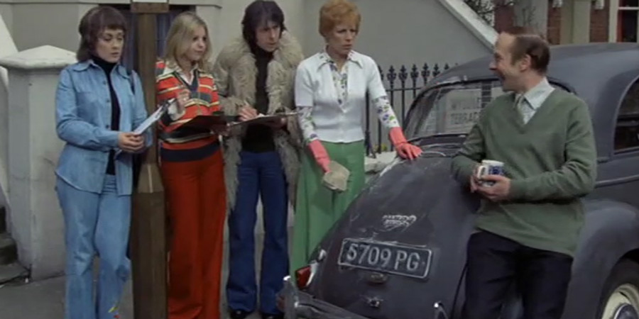 Man About The House. Image shows from L to R: Chrissy Plummer (Paula Wilcox), Jo (Sally Thomsett), Robin Tripp (Richard O'Sullivan), Mildred Roper (Yootha Joyce), George Roper (Brian Murphy). Copyright: Hammer Film Productions.