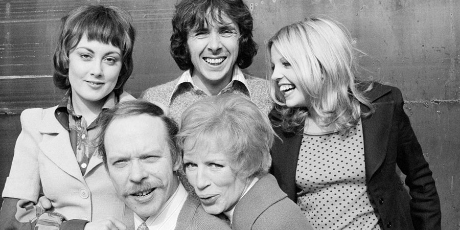 Man About The House. Image shows from L to R: Chrissy Plummer (Paula Wilcox), George Roper (Brian Murphy), Mildred Roper (Yootha Joyce), Robin Tripp (Richard O'Sullivan), Jo (Sally Thomsett). Copyright: Hammer Film Productions.