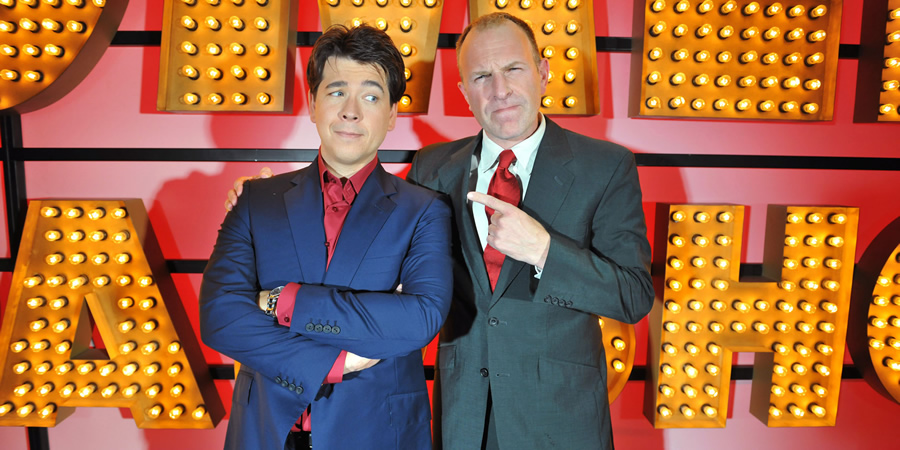Michael McIntyre's Comedy Roadshow. Image shows from L to R: Michael McIntyre, Simon Evans. Copyright: Open Mike Productions.