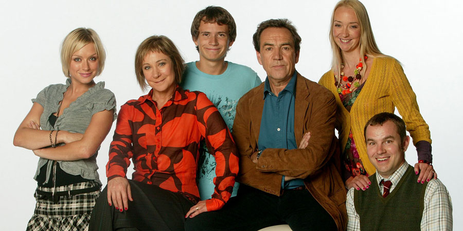 My Family. Image shows from L to R: Janey Harper (Daniela Denby-Ashe), Susan Harper (Zoë Wanamaker), Michael Harper (Gabriel Thomson), Ben Harper (Robert Lindsay), Abi Harper (Siobhan Hayes), Roger Bailey Jr. (Keiron Self). Copyright: DLT Entertainment Ltd. / Rude Boy Productions.