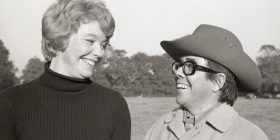 Now Look Here.... Image shows from L to R: Laura (Rosemary Leach), Ronnie (Ronnie Corbett). Copyright: BBC.