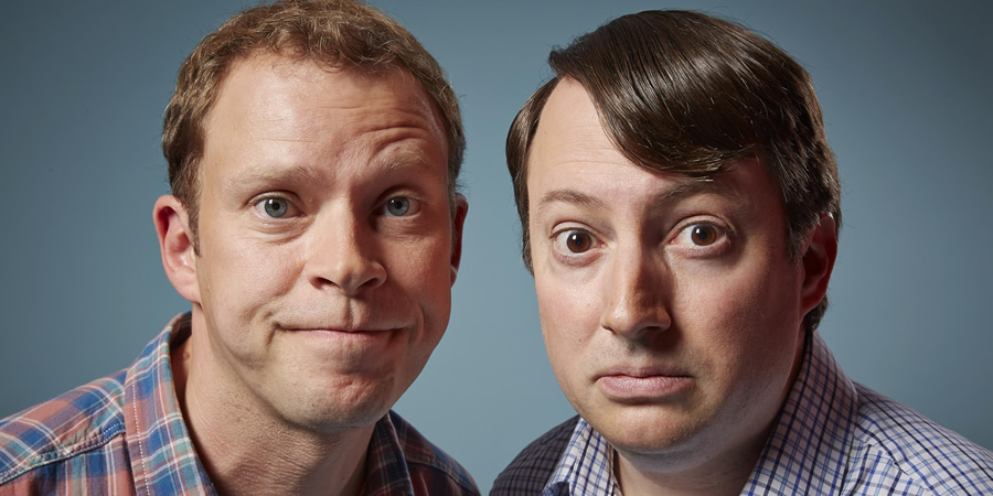 Peep Show. Image shows from L to R: Jeremy Usbourne (Robert Webb), Mark Corrigan (David Mitchell). Copyright: Objective Productions.