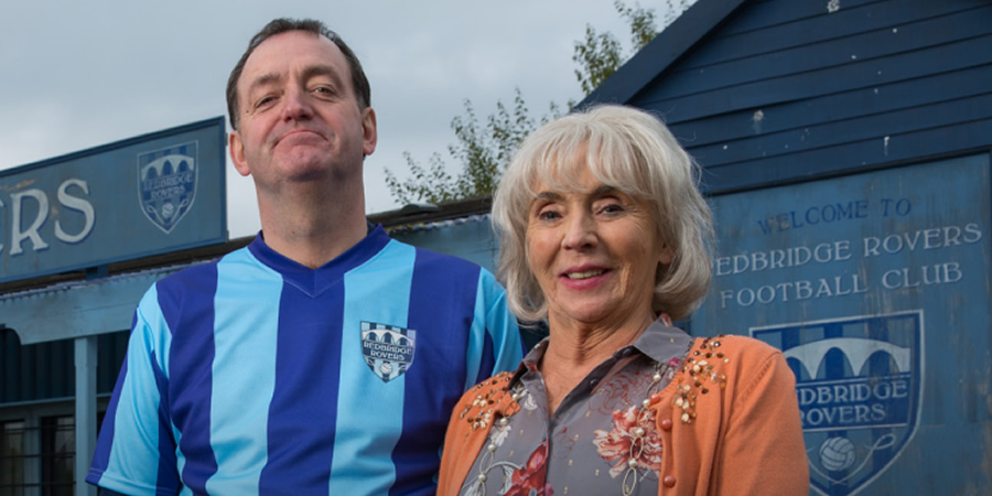 Rovers. Image shows from L to R: Pete Mott (Craig Cash), Doreen Bent (Sue Johnston). Copyright: Jellylegs.