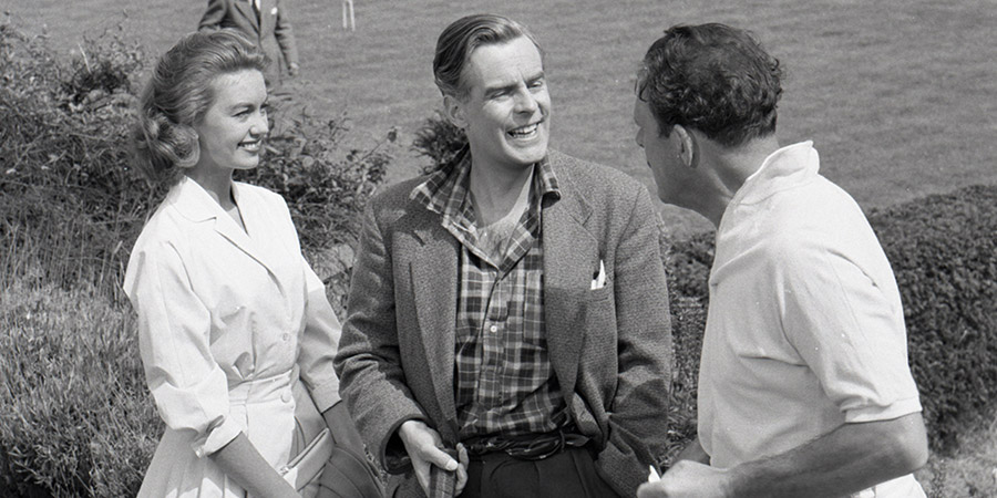 School For Scoundrels. Image shows from L to R: April Smith (Janette Scott), Henry R. Palfrey (Ian Carmichael), Raymond Delauney (Terry-Thomas). Copyright: Guardsman Films.