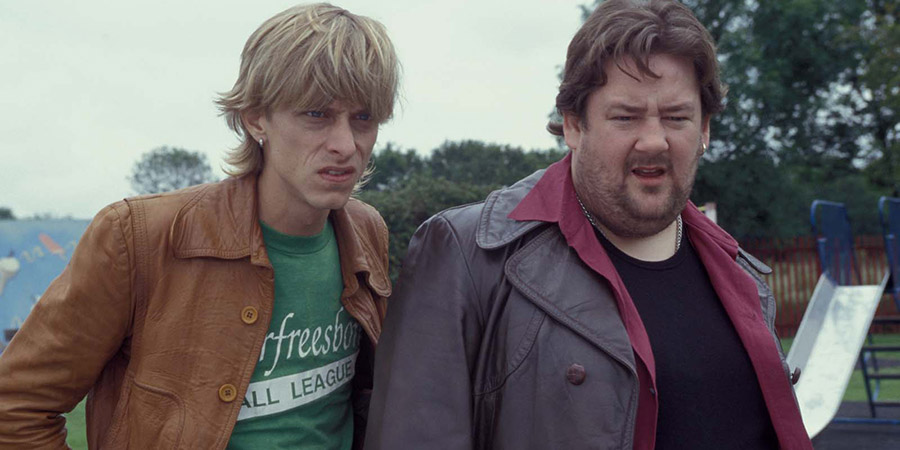 Sex Lives Of The Potato Men. Image shows from L to R: Ferris (Mackenzie Crook), Dave (Johnny Vegas).
