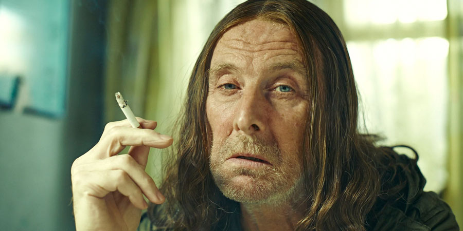 Shameless. Frank Gallagher (David Threlfall). Copyright: Company Pictures.