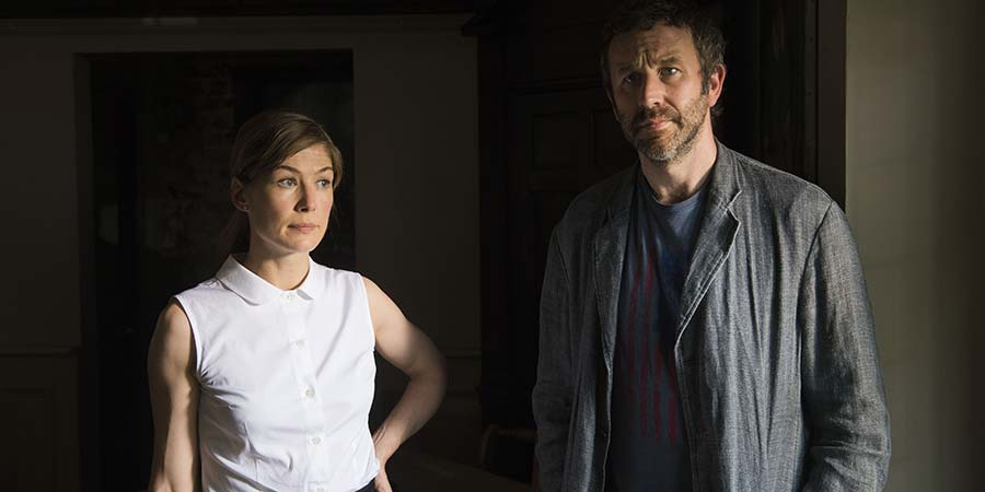 State Of The Union. Image shows from L to R: Louise (Rosamund Pike), Tom (Chris O'Dowd). Copyright: BBC.