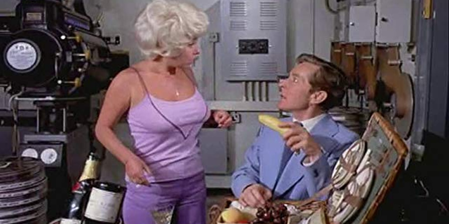 That's Carry On!. Image shows from L to R: Barbara Windsor, Kenneth Williams. Copyright: Peter Rogers Productions.