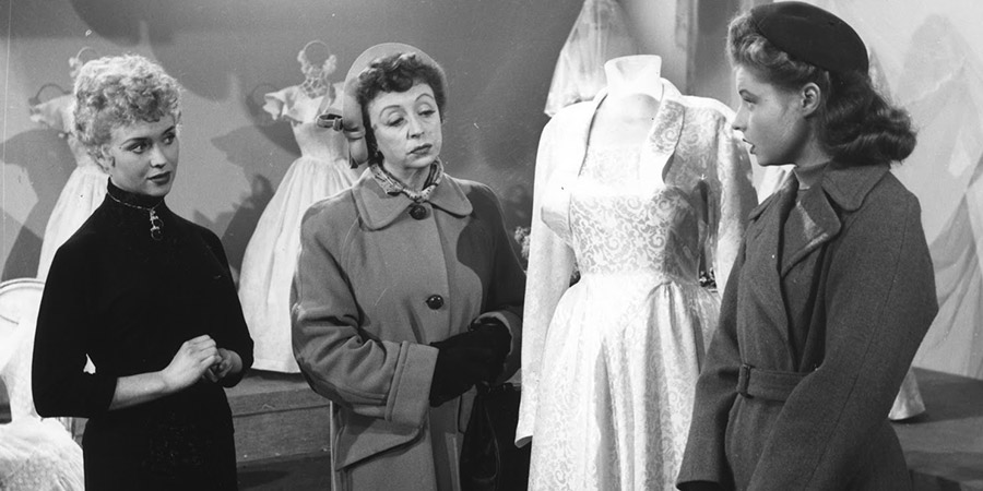 The Crowded Day. Image shows from L to R: Suzy (Vera Day), Eunice's Mother (Thora Hird), Eunice (Prunella Scales). Copyright: Adelphi Films.