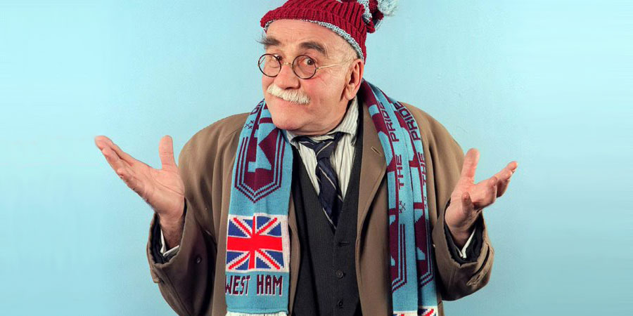 The Thoughts Of Chairman Alf. Alf Garnett (Warren Mitchell). Copyright: London Weekend Television.