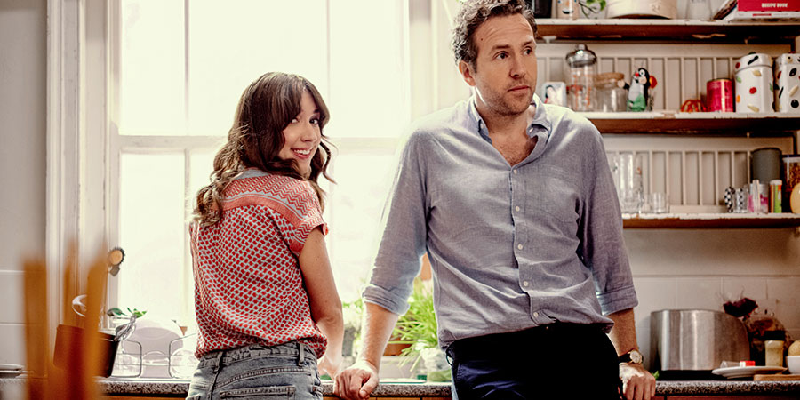 Trying. Image shows from L to R: Nikki Newman (Esther Smith), Jason Ross (Rafe Spall). Copyright: Apple TV+.