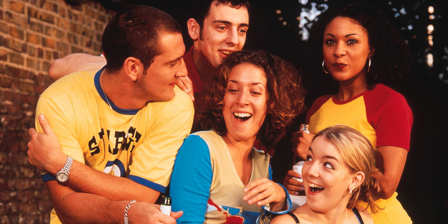 Two Pints Of Lager And A Packet Of Crisps. Image shows from L to R: Gary 'Gaz' Wilkinson (Will Mellor), Jonny (Ralf Little), Donna Henshaw (Natalie Casey), Janet (Sheridan Smith), Louise (Kathryn Drysdale). Copyright: BBC.