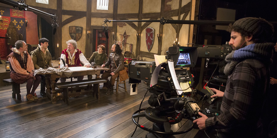 Upstart Crow. Image shows from L to R: Condell (Dominic Coleman), Kempe (Spencer Jones), Burbage (Steve Speirs), Kate (Gemma Whelan), Will Shakespeare (David Mitchell), Unknown. Copyright: BBC.