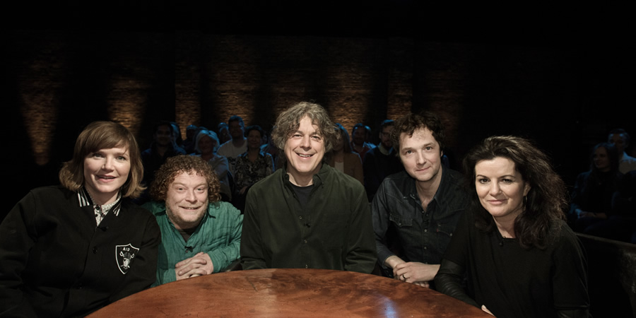 Alan Davies: As Yet Untitled. Image shows from L to R: Jessica Hynes, Wes Borg, Alan Davies, Chris Addison, Deirdre O'Kane.