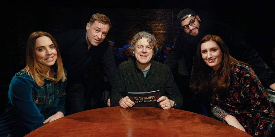 Alan Davies: As Yet Untitled. Image shows from L to R: Melanie Chisholm, Ardal O'Hanlon, Alan Davies, Jamali Maddix, Jessica Knappett. Copyright: Phil McIntyre Entertainment.