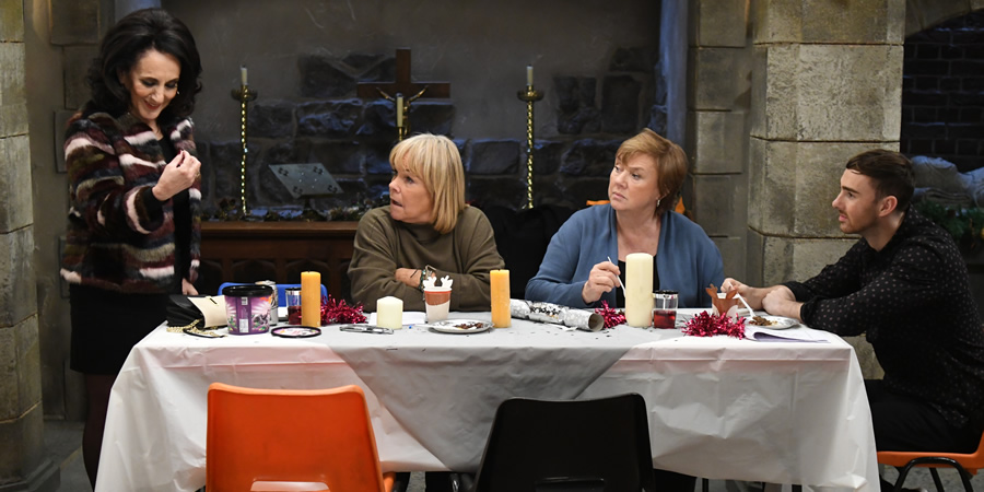 Birds Of A Feather. Image shows from L to R: Dorien Green (Lesley Joseph), Tracey Stubbs (Linda Robson), Sharon Theodopolopodous (Pauline Quirke), Travis Stubbs (Charlie Quirke).