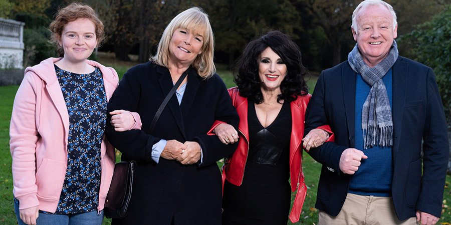Birds Of A Feather. Image shows from L to R: Jordan (Ami Metcalf), Tracey Stubbs (Linda Robson), Dorien Green (Lesley Joseph), Graeme (Les Dennis). Copyright: ITV.