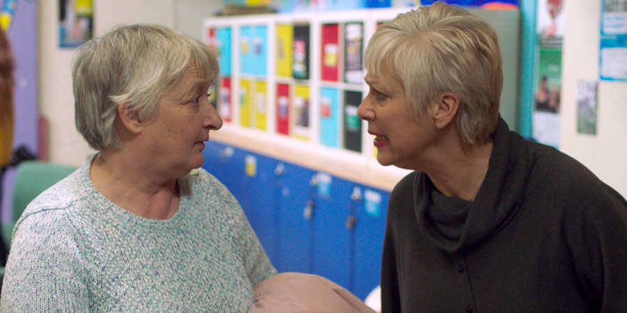 Boy Meets Girl. Image shows from L to R: Peggy (Janine Duvitski), Pam (Denise Welch). Copyright: Tiger Aspect Productions.