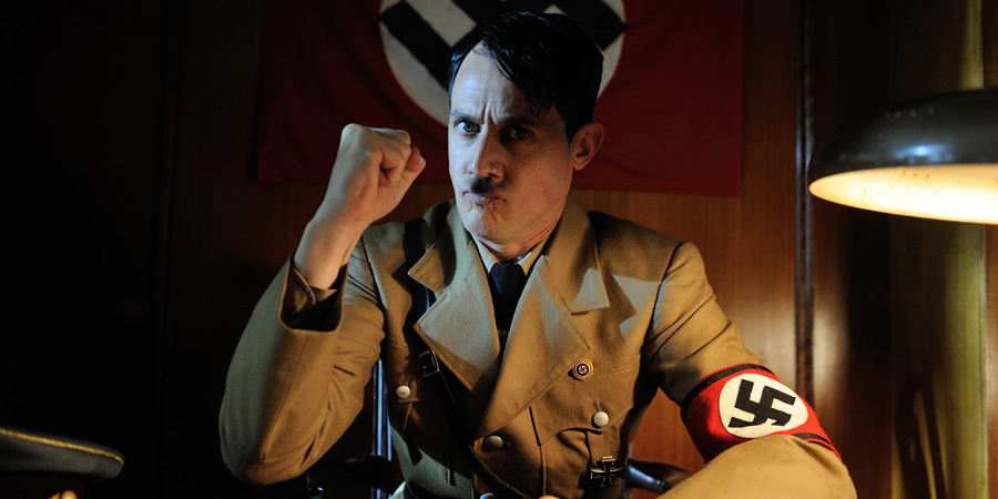Drunk History. Adolf Hitler (Dustin Demri-Burns). Copyright: Tiger Aspect Productions.