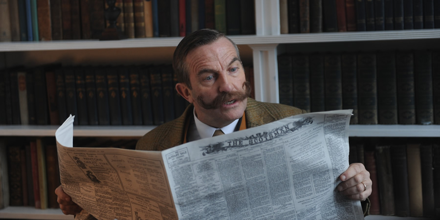 Drunk History. Sir Arthur Conan Doyle (Bradley Walsh). Copyright: Tiger Aspect Productions.