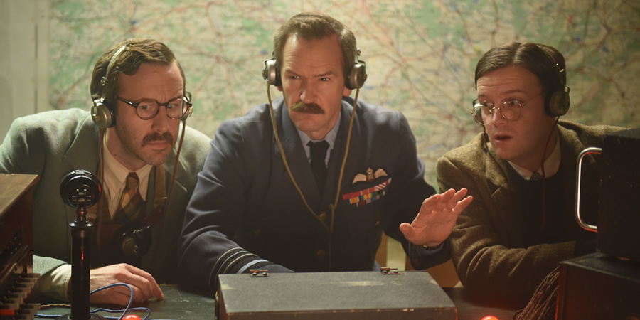 Drunk History. Image shows from L to R: Sir Barnes Wallis (Chris O'Dowd), Sir Arthur Harris (Alexander Armstrong), A.R. 'Dick' Collins (Tom Bennett). Copyright: Tiger Aspect Productions.