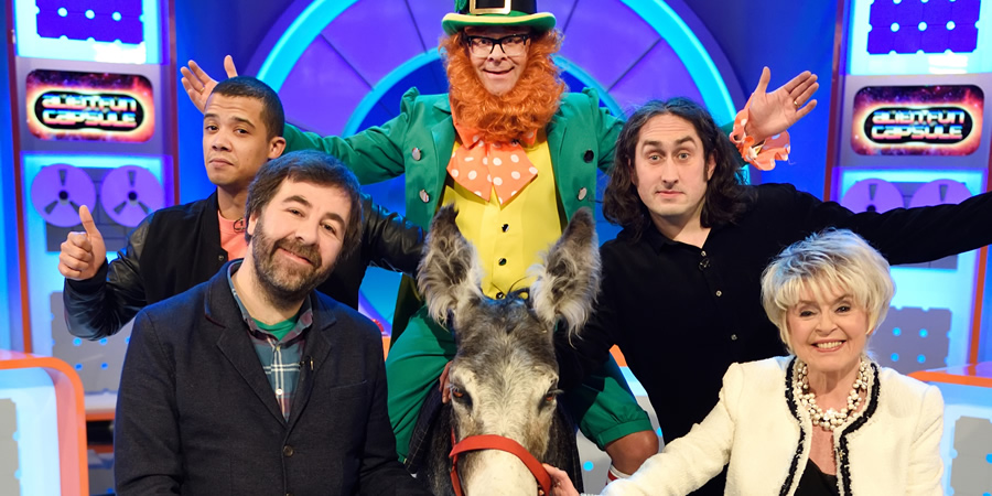 Harry Hill's Alien Fun Capsule. Image shows from L to R: Jacob Anderson, David O'Doherty, Harry Hill, Ross Noble, Gloria Hunniford. Copyright: Nit TV.