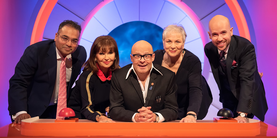 Harry Hill's Alien Fun Capsule. Image shows from L to R: Krishnan Guru-Murthy, Stephanie Beacham, Harry Hill, Pam Ferris, Tom Allen. Copyright: Nit TV.