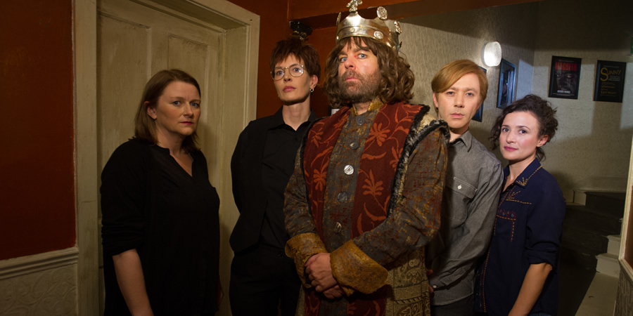 Inside No. 9. Image shows from L to R: Kirstie (Rosie Cavaliero), Felicity (Julia Davis), Tony (Steve Pemberton), Jim (Reece Shearsmith), Laura (Lyndsey Marshal). Copyright: BBC.