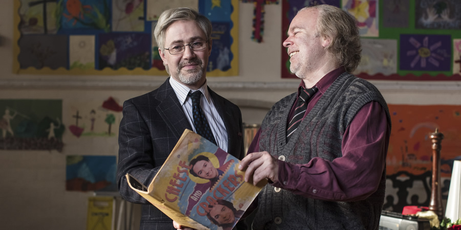 Inside No. 9. Image shows from L to R: Tommy Drake (Reece Shearsmith), Len Shelby (Steve Pemberton). Copyright: BBC.