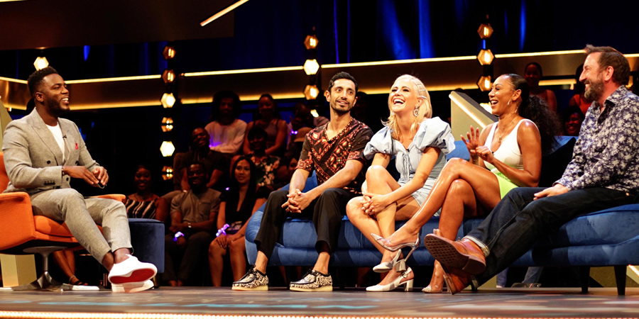 The Lateish Show With Mo Gilligan. Image shows from L to R: Mo Gilligan, Riz Ahmed, Pixie Lott, Melanie Brown, Lee Mack.