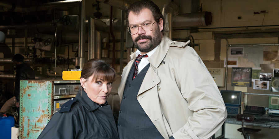Murder In Successville. Image shows from L to R: Lorraine Kelly, DI Sleet (Tom Davis).